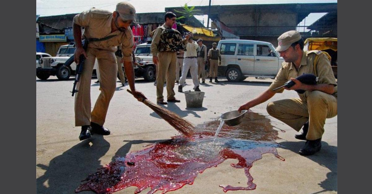 2013 की तस्वीर को कश्मीर में भारतीय सरकार का अत्याचार बताकर शेयर किया गया